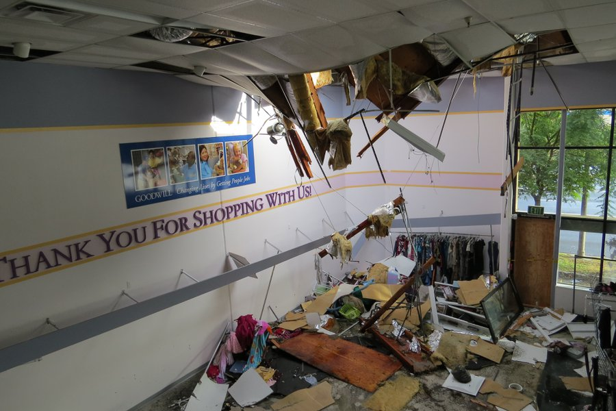 Goodwill Roof Collapse 005 Tx600 Escondido Grapevine